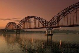 "<img src=""Cruise-on-the-Irrawaddy.jpg"" alt=""The Irrawaddy"">"